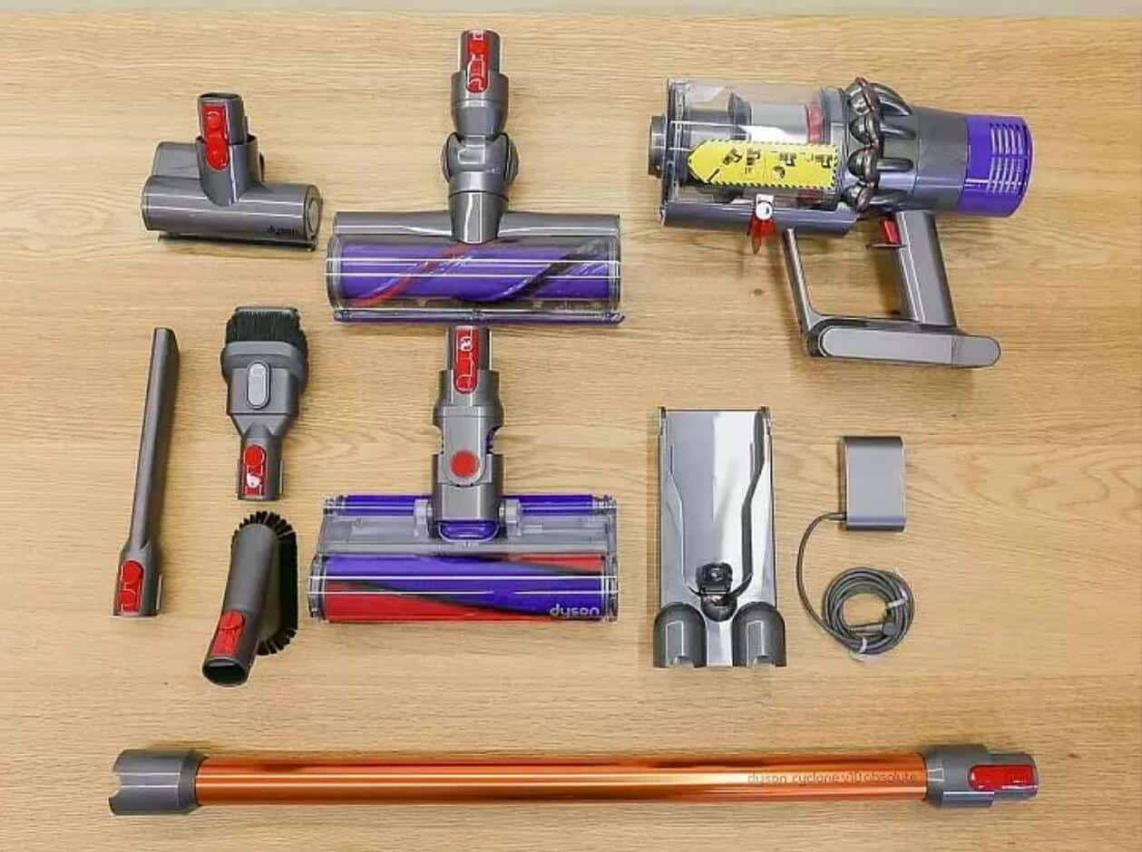 dyson v10 animal vacuum for pet hair review