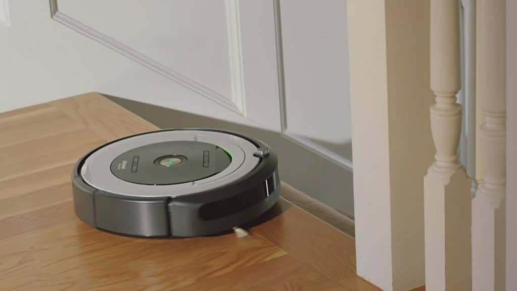 iRobot-Roomba-690-robotic-vacuum-cleaners